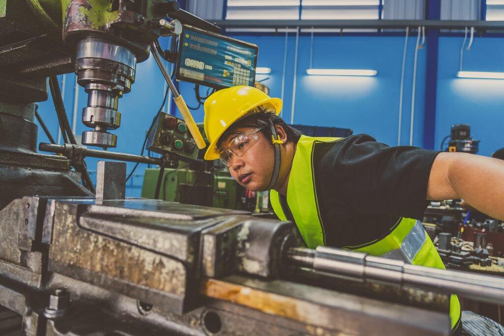 外国人労働者を採用するメリットや活躍している業種とは?