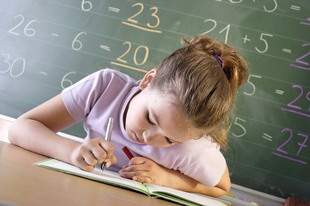 人気の職業である学校の先生(教員)のお仕事とは?